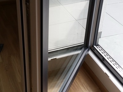 Hausbegutachtung Bauabnahme Fenster einstellen