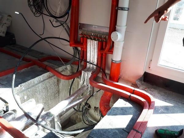Prüfung Rohinstallation der Sanität, Heizung und Elektroarbeiten