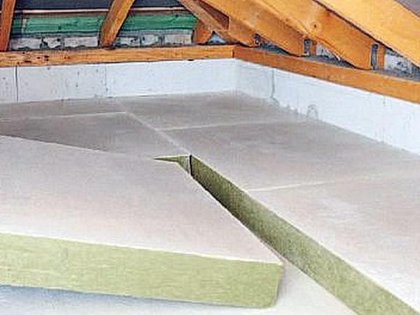 kostengünstige hochwirksame einfache Dachdämmung, Dämmung oberste Geschossdecke, Dämmplatten Fa. Rockwool